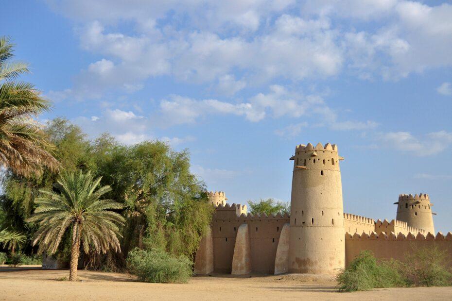 old-fort-2280457_1920-2